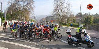 Alumnos de Mánchester celebran en O Val Miñor el Día de la Bicicleta