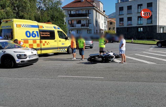 Herido un motorista al colisionar con un turismo en Sabarís