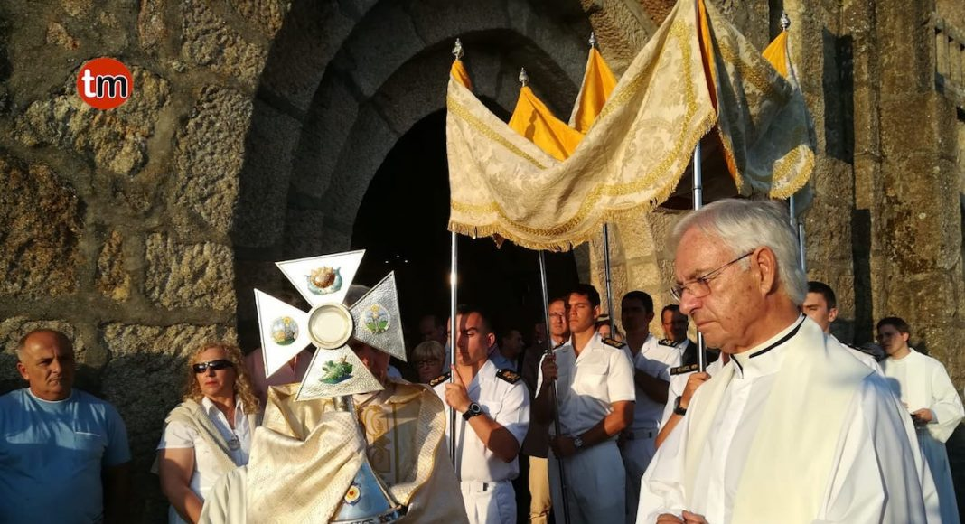 Ofrenda al mar y a la Virgen del Carmen en Panxón