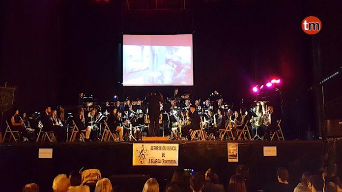 De cine, así fue el concertó de la Agrupación Musical de A Guarda