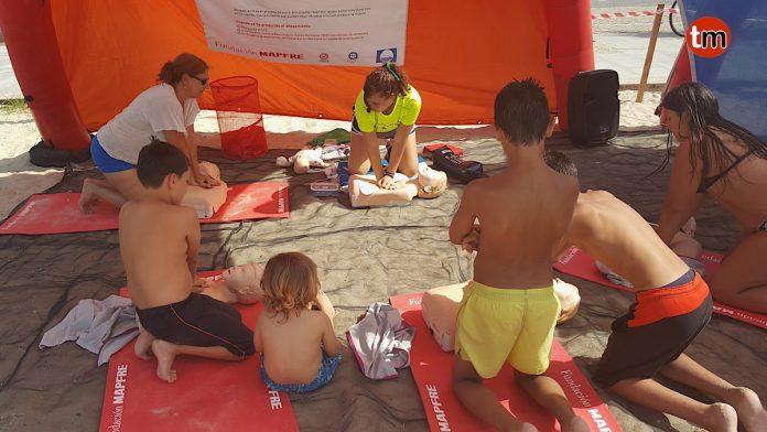 Más de 800 personas han participado en la campaña de prevención y primeros auxilios en Baiona