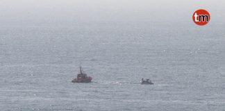 Salvamento Marítimo remolca a Baiona una embarcación que quedó ala deriva frente a la costa de Oia