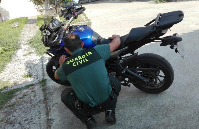 Un vecino de Tomiño roba una motocicleta en Portugal y es interceptado por la Guardia Civil