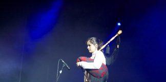 La guardesa Nadia Vázquez gana el primer premio en el concurso de solistas de gaitas en Francia