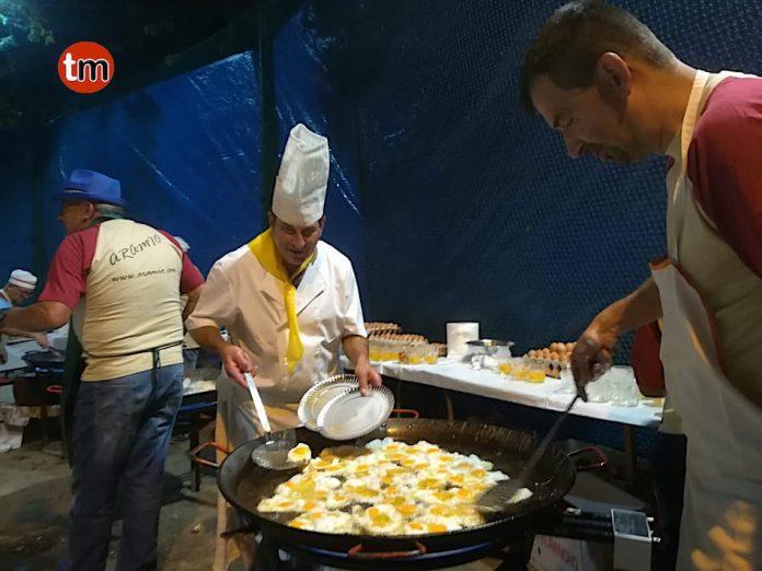 """Unas 1.300 personas degustaron los """"Ovos con Chourizos"""""""