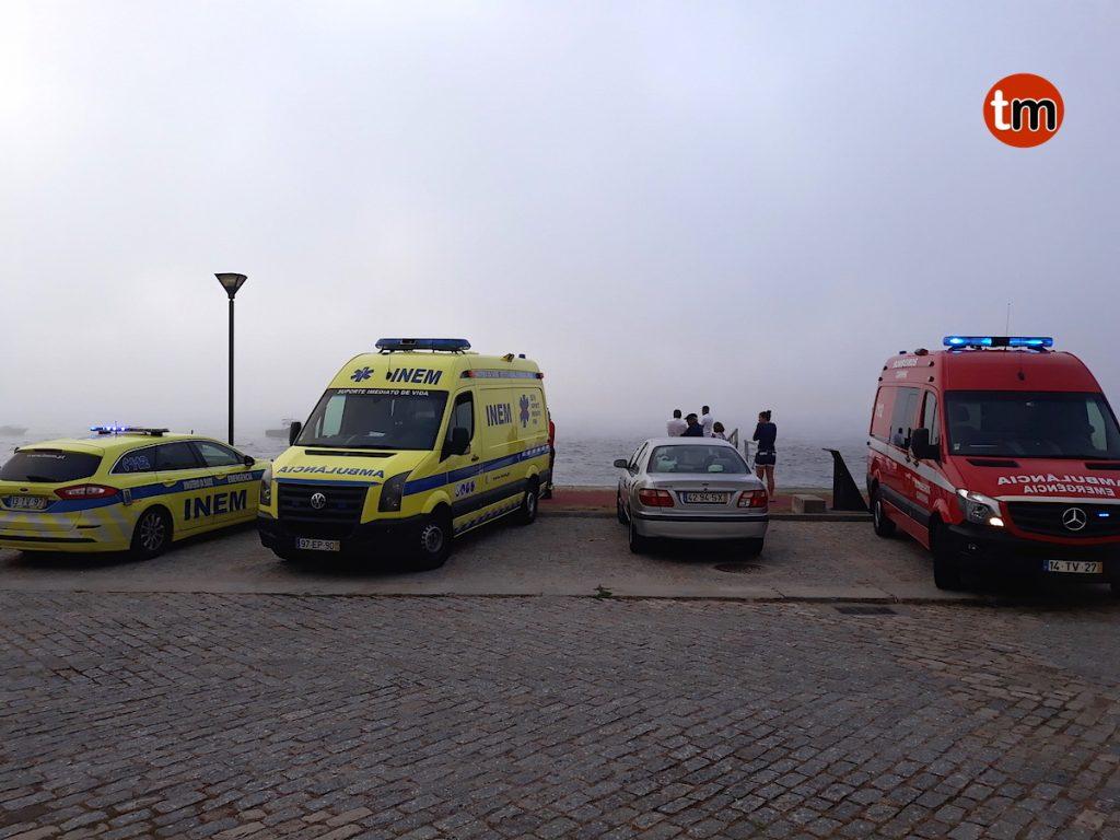 Rescatan a cinco personas en la desembocadura del río Miño