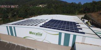 Mecalia refuerza su apuesta por las energías renovables con la instalación de paneles solares en su sede