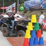 La solidaridad llega montada en quad a Vilaza