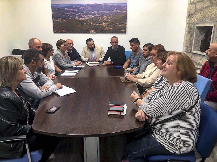 Los alcaldes de Gondomar y Nigrán se reúnen con el comité de empresa de Povisa