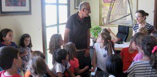 Alumnos del CEIP Humberto Juanes visitan el Concello de Nigrán