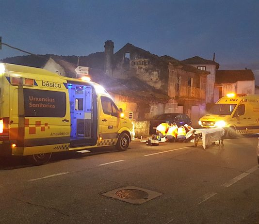Herida de gravedad al chocar su moto contra una casa en Sabarís