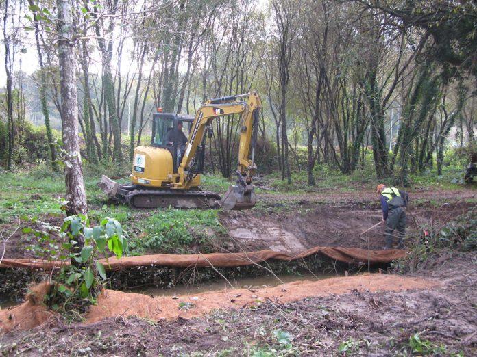 Se inician los trabajos de bioingeniería en el río Muiños para restaurar su canal fluvial