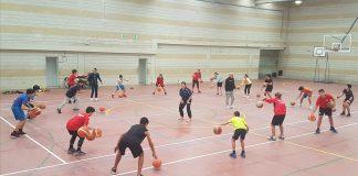 Esther Muñiz imparte formación técnica a los jugadores del CB Nigrán