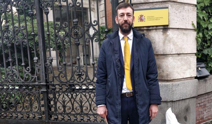 El alcalde de Tui urge en Madrid el inicio del desescombro de la Zona Cero
