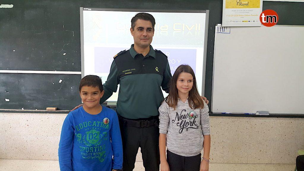 La Guardia Civil imparte charlas a escolares de Goián sobre el acoso escolar o el peligro en internet