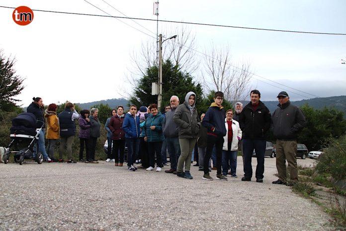 """Vecinos de Baredo protestan por la """"inexistente"""" señal de televisión"""