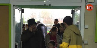 Evacuan un colegio de Tui por inundación
