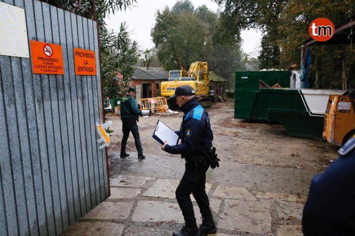 La Guardia Civil rastrea con perros la pirotecnia ilegal de Tui