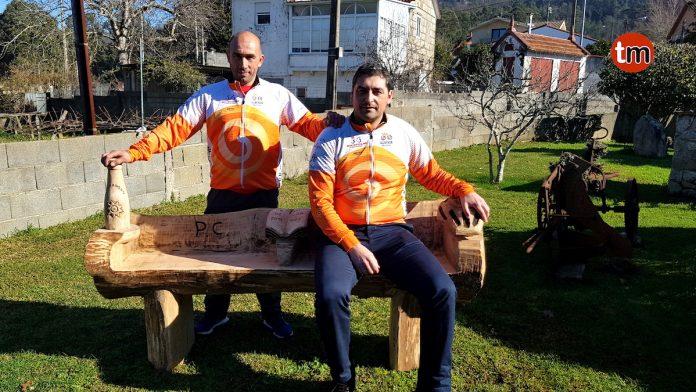 Un banco en el mirador de Chandebrito recodará a los ciclistas fallecidos en el accidente de A Guarda