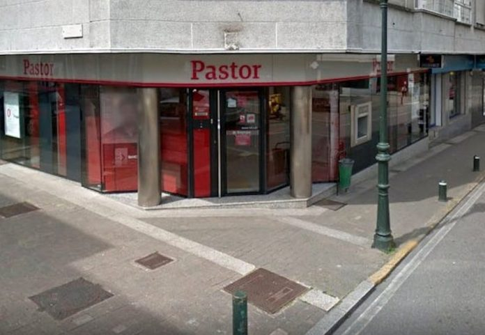 Dos gondomareños recuperan el dinero invertido en la compra de acciones del Banco Pastor