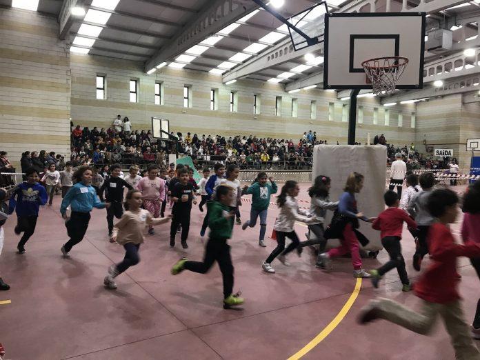 Alumnos de Nigrán participan en la 'X Carreira Solidaria'