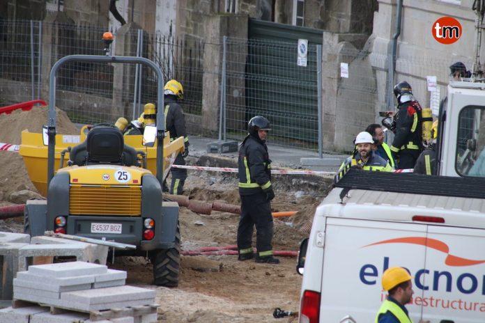 Desalojan los comercios del centro de Gondomar por un escape de gas