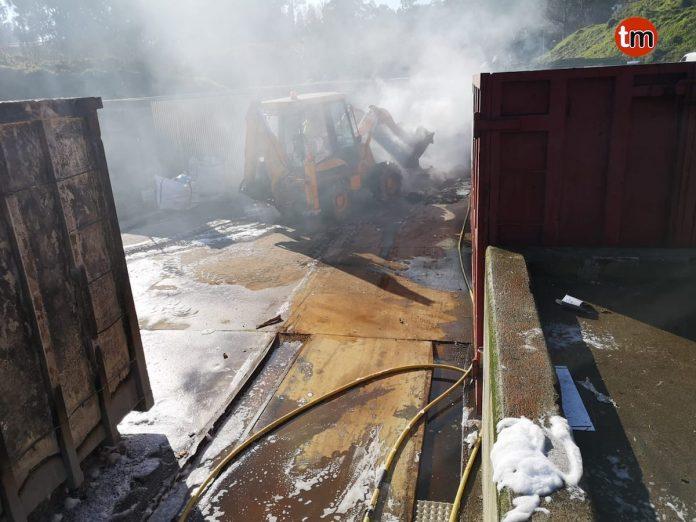 El GES de A Guarda sofoca un incendio en el punto limpio