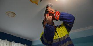 Tomiño instala detectores de fume domésticos en domicilios de persoas maiores e dependentes