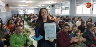 """El IES Val Miñor concede a la baionesa Iria González el premio a la """"Muller Científica 2019"""""""