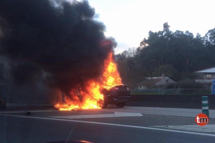 BMW X6 en llamas