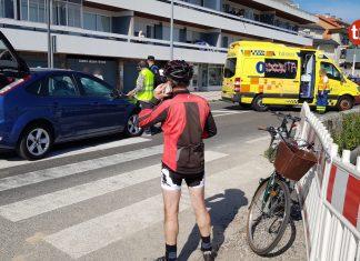 Herida en un atropello cuando cruzaba por un paso de peatones montada en bicicleta en Baiona