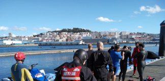 La Xunta forma al personal del GES de O Val Miñor en el manejo de la moto acuática de rescate