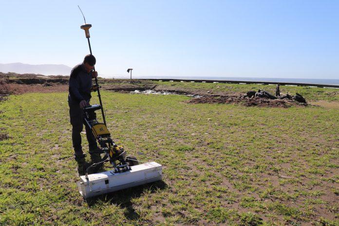 Usan un georadar para buscar más salinas romanas en A Guarda