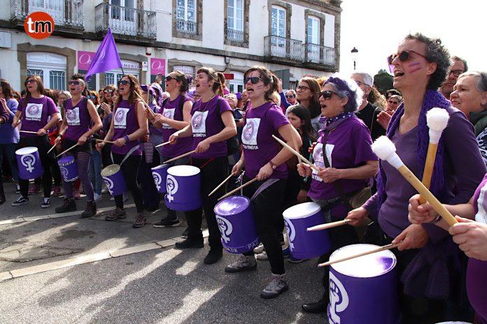 La marea violeta exige igual en A Ramallosa