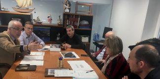 El presidente de Portos de Galicia mantiene una reunión de trabajo con la cofradía de A Guarda