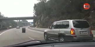 Dos ruedas se pasean por la autovía Vigo-Tui