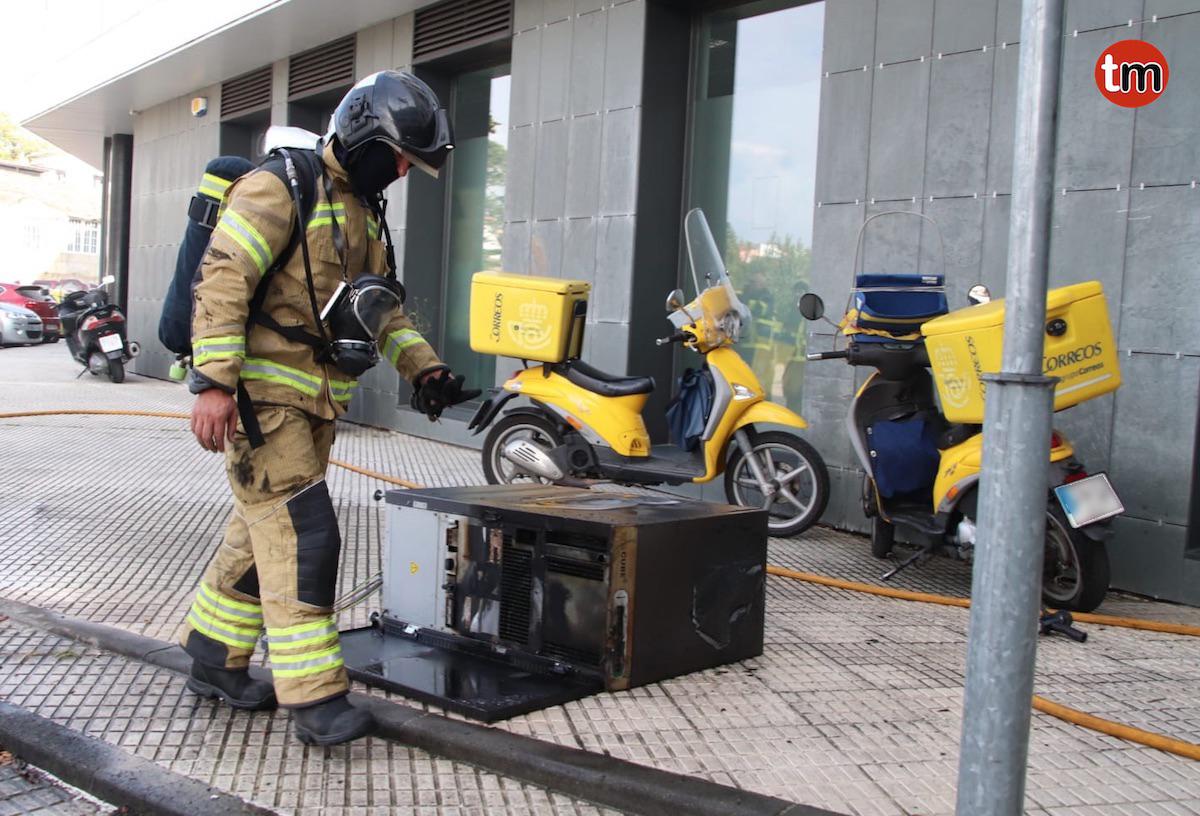 Incendio en una oficina de Correos de Valencia