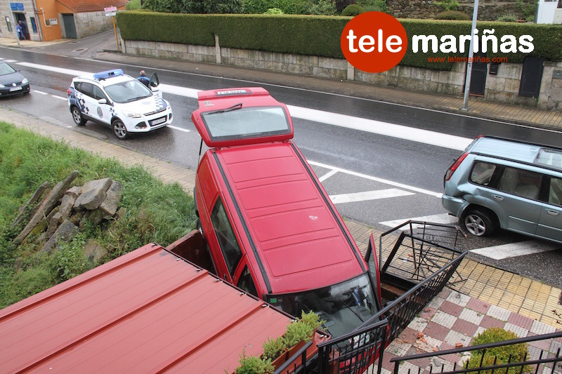 accidente_espectacular_salida_via_vincios_gondomar_5